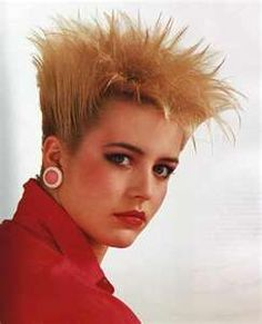 remember-these-awkward-80-s-hairstyles-image-4