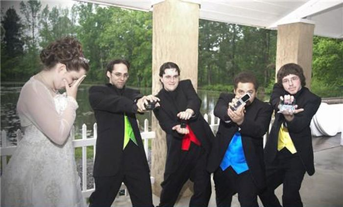 groomsmen-photos-with-a-twist-19