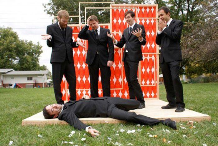 groomsmen-photos-with-a-twist-16
