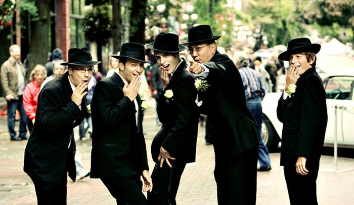groomsmen-photos-with-a-twist-14