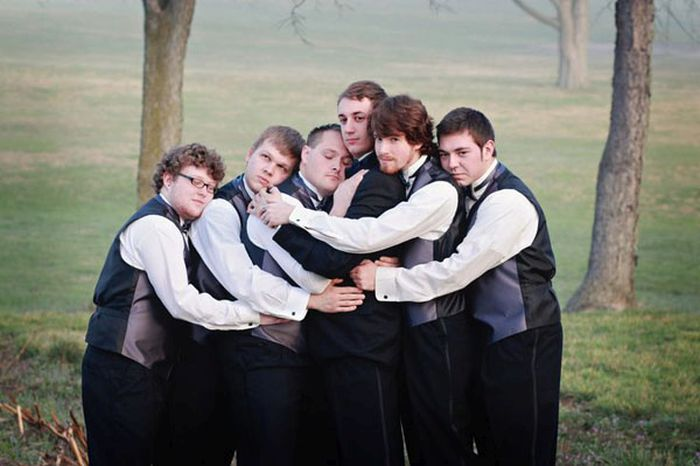 groomsmen-photos-with-a-twist-13