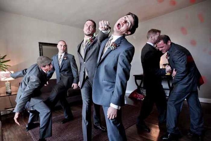 groomsmen-photos-with-a-twist-2