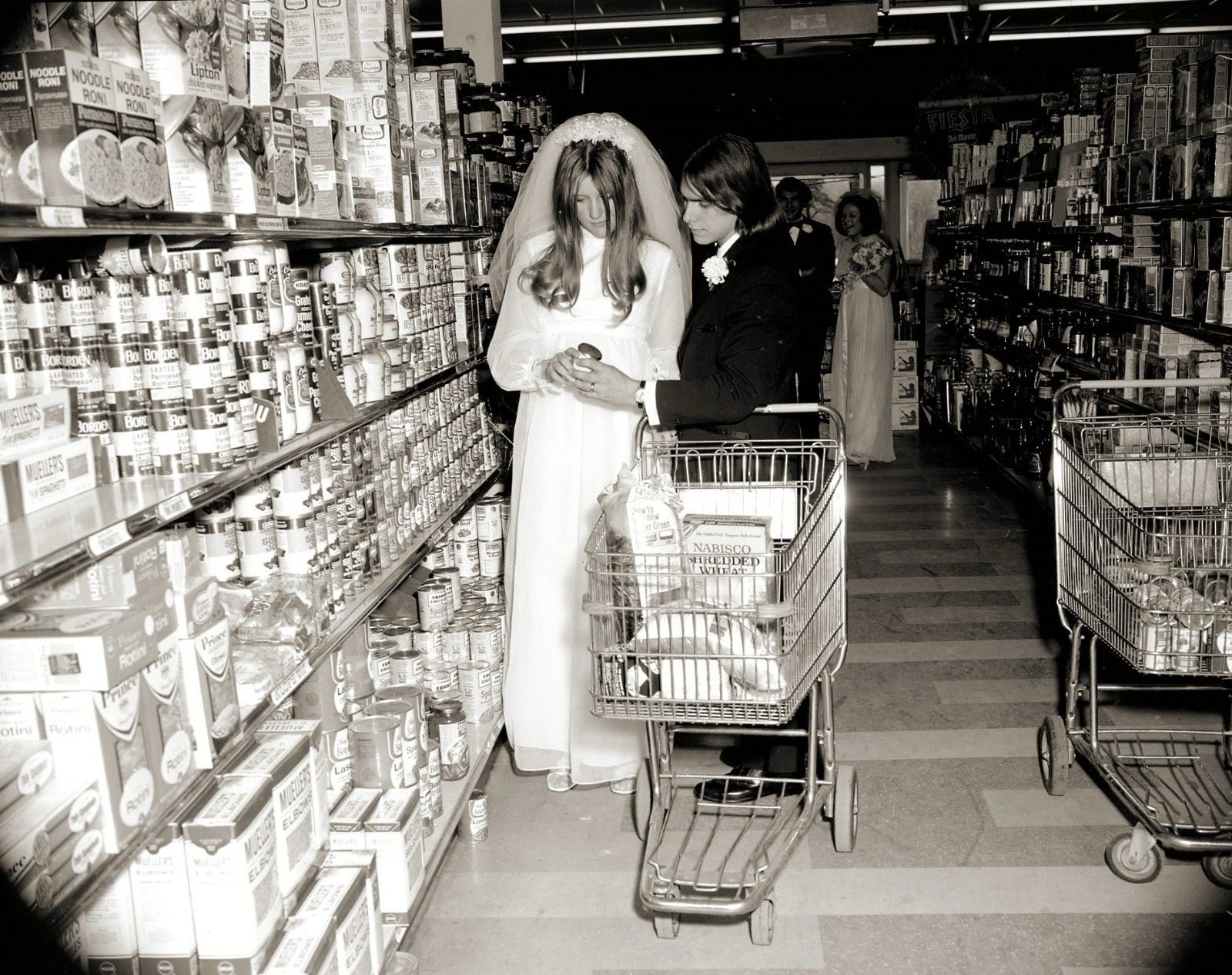 wedding-grocery-store