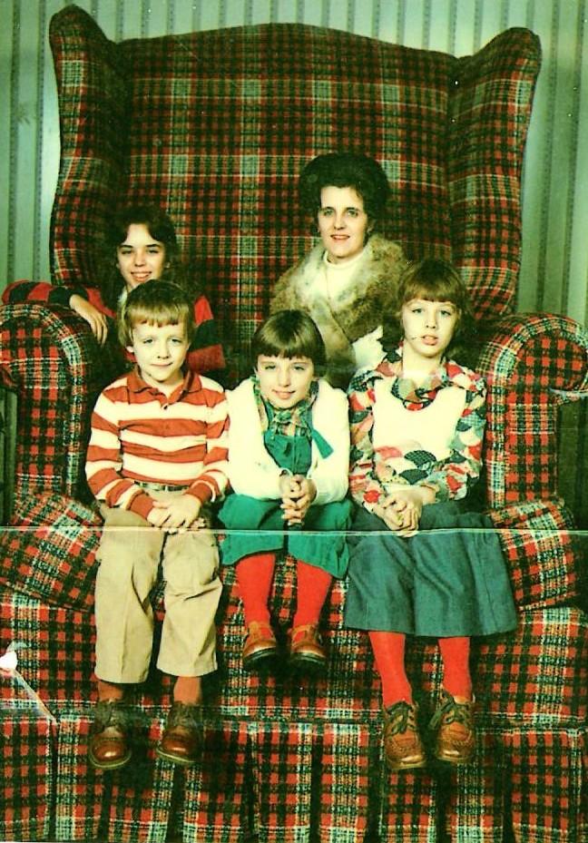 big chair picture, awkward kids