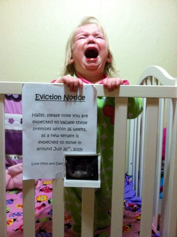 funny pregnancy picture, crying baby