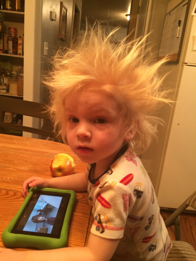 bed head picture, funny kid picture