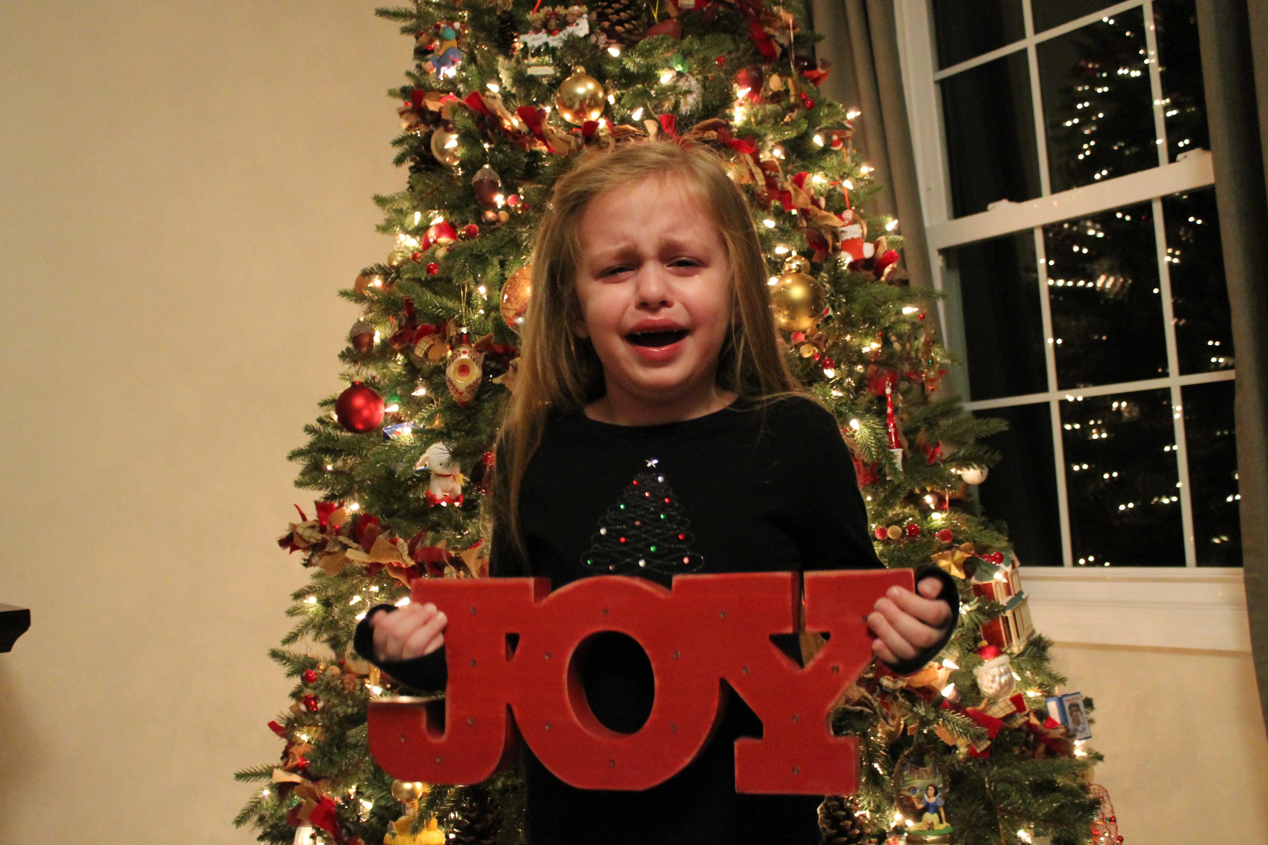 Funny Santa Pictures  Awkward  Bad Santa Photos-3958